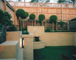 garden_retaining_wall_-_oxide_finish